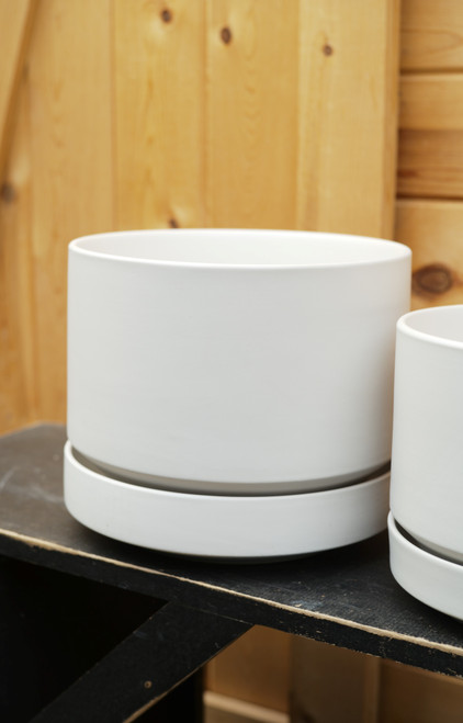 """10"""" Round Pot with Saucer in White"""