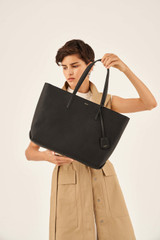 Oroton Duo Medium Zip Tote in Black and Pebble Leather for female