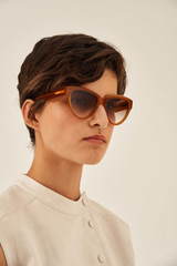 Oroton Jordan Sunglasses in Syrup and Acetate for female