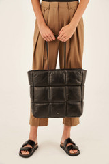Oroton Freja Large Tote in Black and Smooth Leather for female