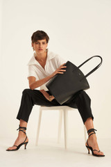 Oroton Muse Tote in Black and Saffiano / Smooth for female