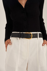 Oroton Ivy Belt in Black and Smooth Leather for female