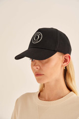 Oroton Kaia Cap in Black and Non-Coated Canvas for female