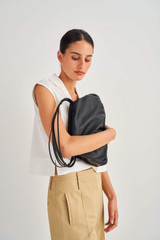 Oroton Nilson Hobo in Black and Smooth Leather for female