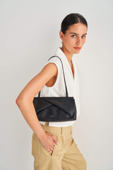 Oroton Quinn Clutch in Black and Smooth Leather for female