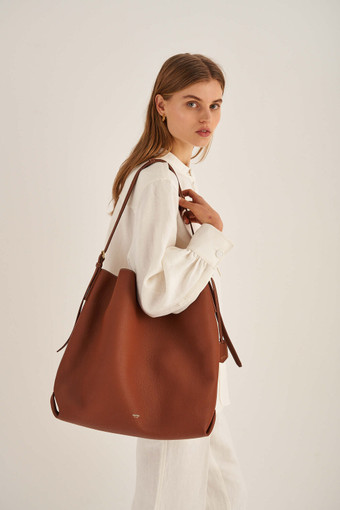 Oroton Margot The Big Hobo in Whiskey and Pebble Leather for female