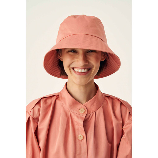 Oroton Jerome Sateen Bucket Hat in Quince and 70% Cotton 30% Linen for female