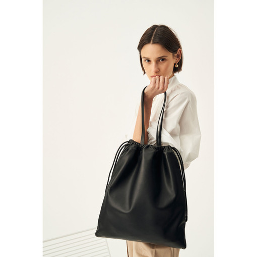 Oroton Lilia Tote in Black and Smooth Leather for female