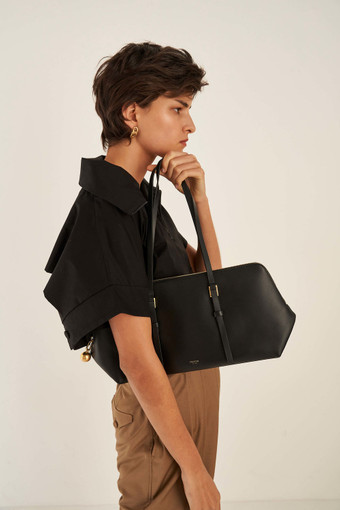 Oroton Willow Day Bag in Black and Smooth Leather for female