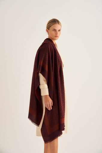 Oroton Hannah Scarf in Bordeaux and 40% Acrylic, 33% Viscose, 20% Nylon And 7% Wool for female