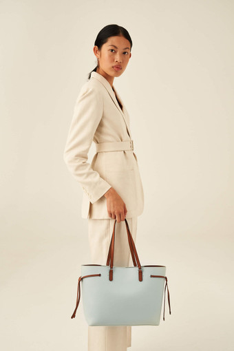 Oroton Harriet Medium Tote in Chalk Blue and Saffiano Leather With Smooth Leather Trim for female