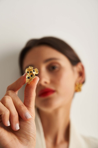 Oroton Harlow Ring in Worn Gold and Brass Based Metal With Precious Metal Plating/Glass Bead for female