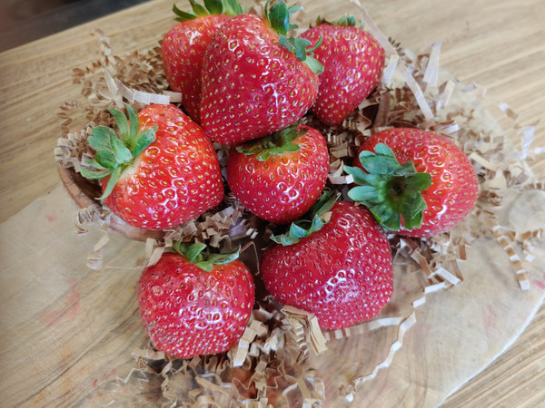 Both sour and tart, our Strawberry Balsamic Vinegar is the very embodiment of ripe juicy strawberry and rich smooth aged balsamic. Delightfully versatile, use in marinades, dressings, with spinach salad, on cheese plates, to glaze poultry or meat, over thick yogurt or premium vanilla ice cream.  