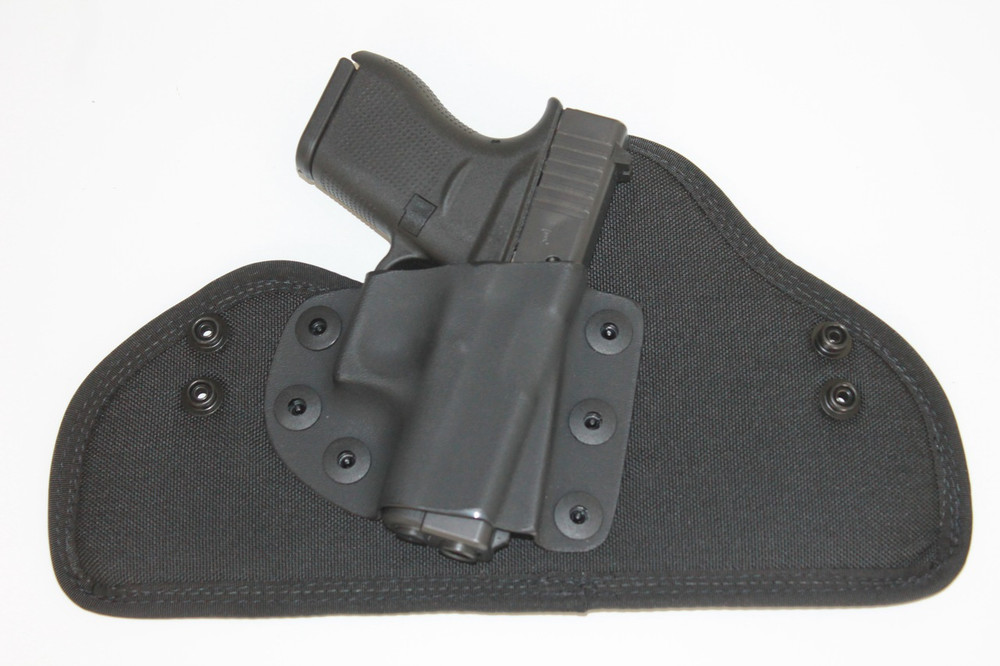 The Glock 43 is rapidly deployable and removable with the Rapid Snap Military Grade snap removable belt system.