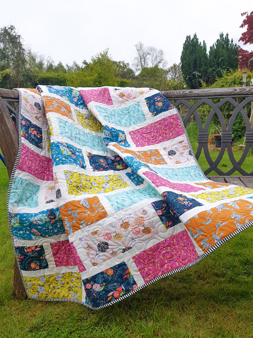 Beyond the Garden Wall quilt Pattern, Purple Stitches, Hampshire UK