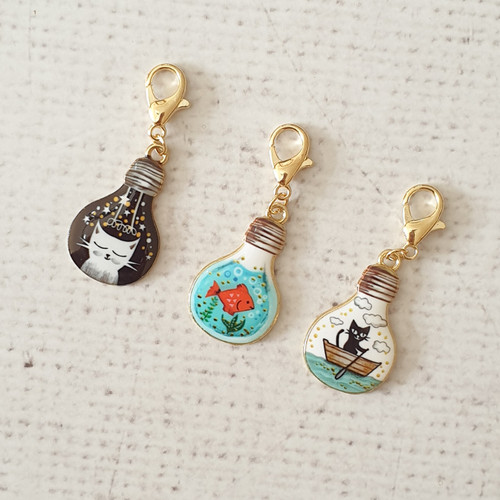 Cat Bulb Zipper Charm, Teacup Charm, Cat Clip, Stitch Marker, Notebook Charm, Diary Charm, Purse Accessories, Purse Charm, Purple Stitches, UK, Hampshire