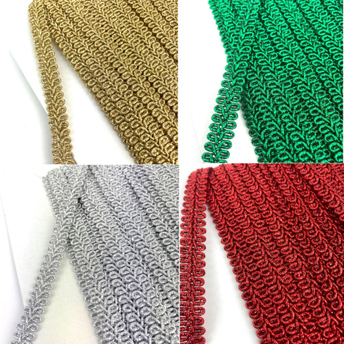 Metallic 8-loop braided trim. Available in red, gold, green silver.