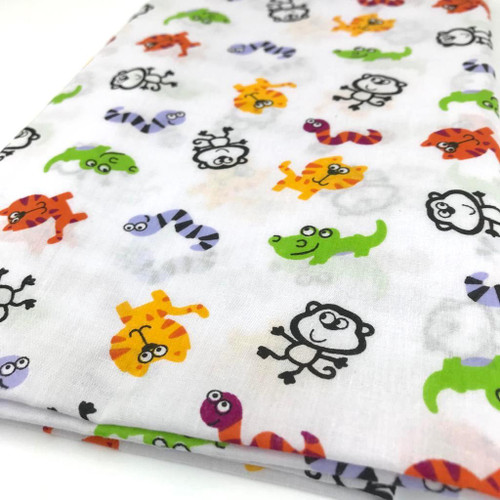 Jungle animals printed on white polycotton fabric W:112cm