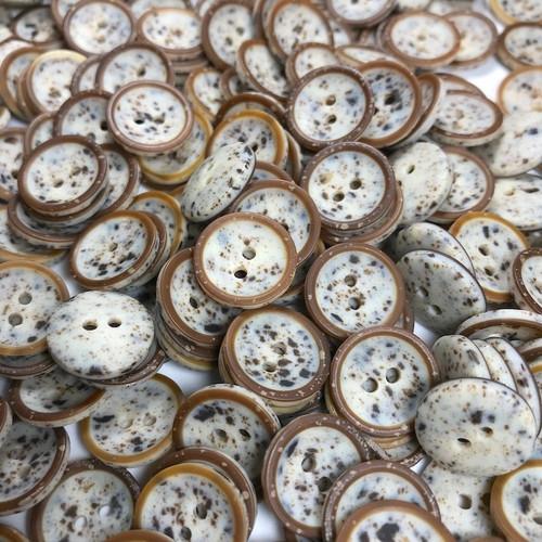 Grey Speckled Egg Button 20mm
