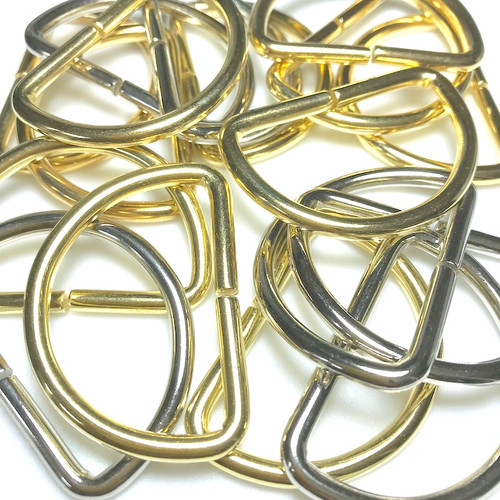 Brass and Chrome plated d-rings ideal for bag making, webbing, crafts and sewing projects.