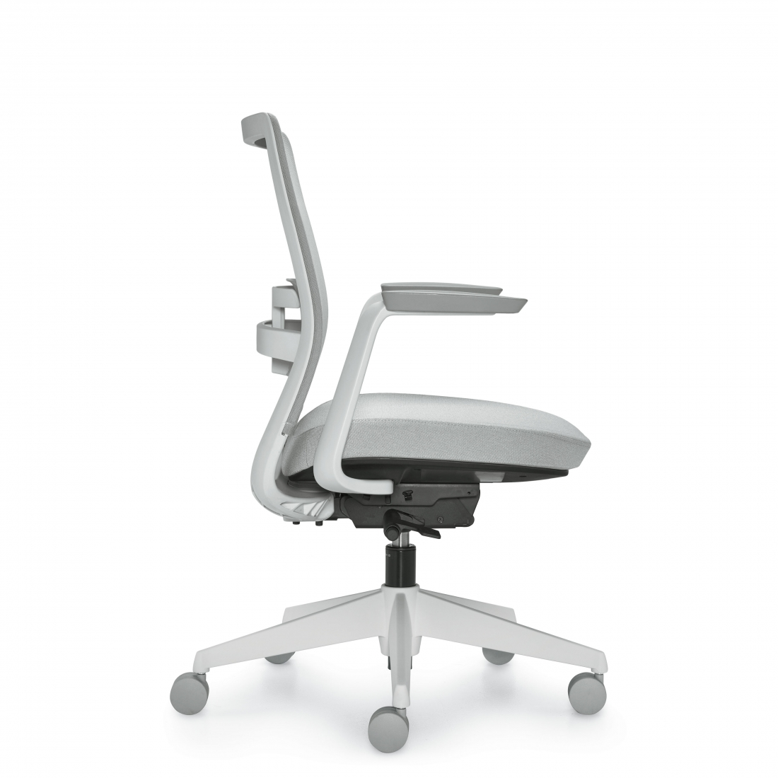 global factor series mid back mesh task chair with arms