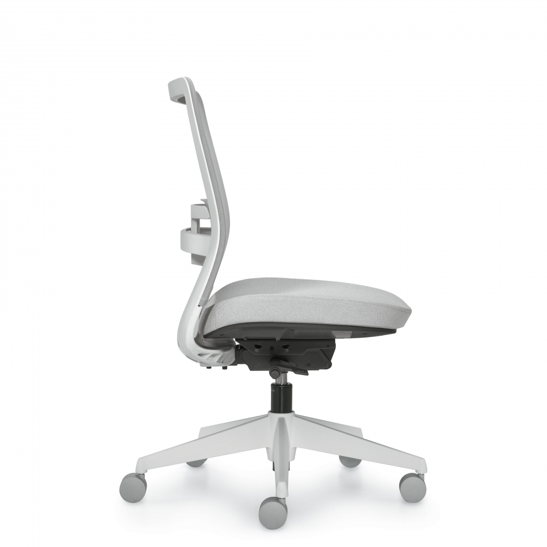 5541na global factor chair side view