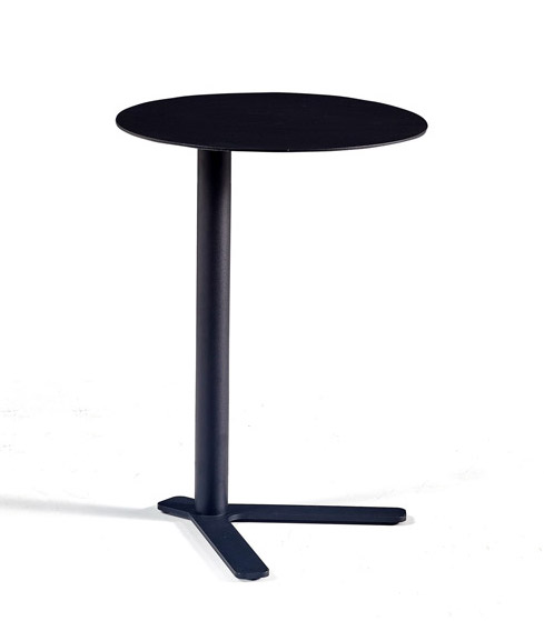 woodstock marketing susie q table - angled view