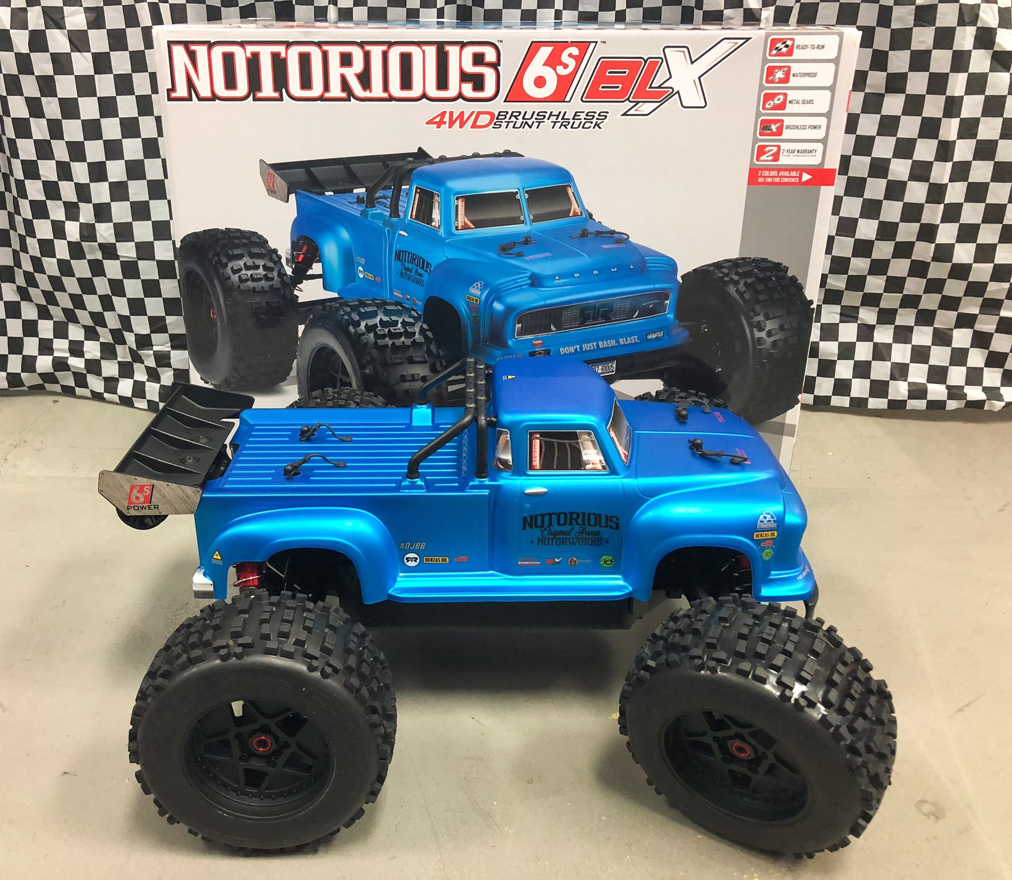 NEW - Eflite V900 & Arrma Notorious!