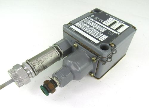 Allen Bradley 836T-T253J, Ser A, Pressure Control Switch