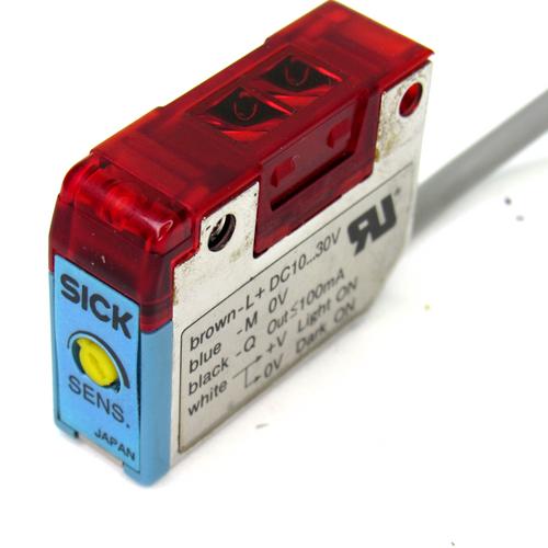 Sick WT170-P112 Photoelectric Proximity Sensor, 10~30V DC, 10-100mm Sensing Range, <100mA