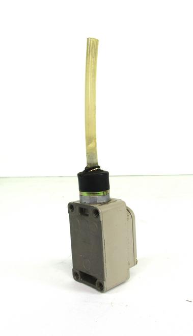 Omron WLNJ-TS Limit Switch 2 Amp, 250 Vac, 48 Vdc