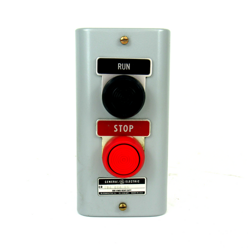 General Electric 2940NA402C Pushbutton Station, Run/Stop, 600V AC