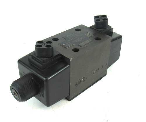 Denison Hydraulics A4D02 3208 0302 B1W01 Directional Control Valve