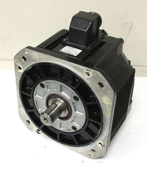 Yaskawa SGMD-32AWA-YR12 Servo Motor 3.2 Kw 2000 RPM Encoder UTMAE-B12DA