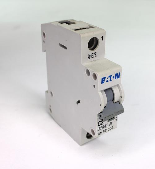 Eaton WMZS1C02 Circuit Breaker 15 Amp, 1 Pole, 277 V