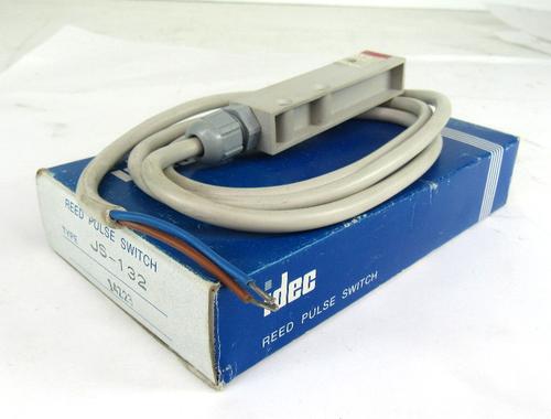 Idec JS-132 Reed Pulse Switch
