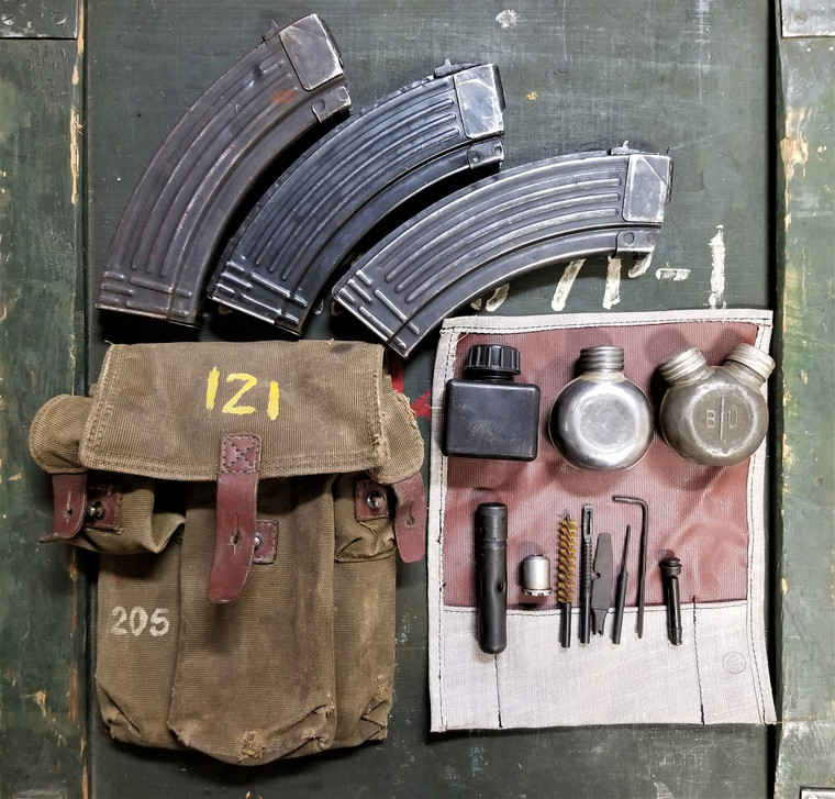 AKM Battle Pack: 3 cell pouch + 3 Mags + Accessories