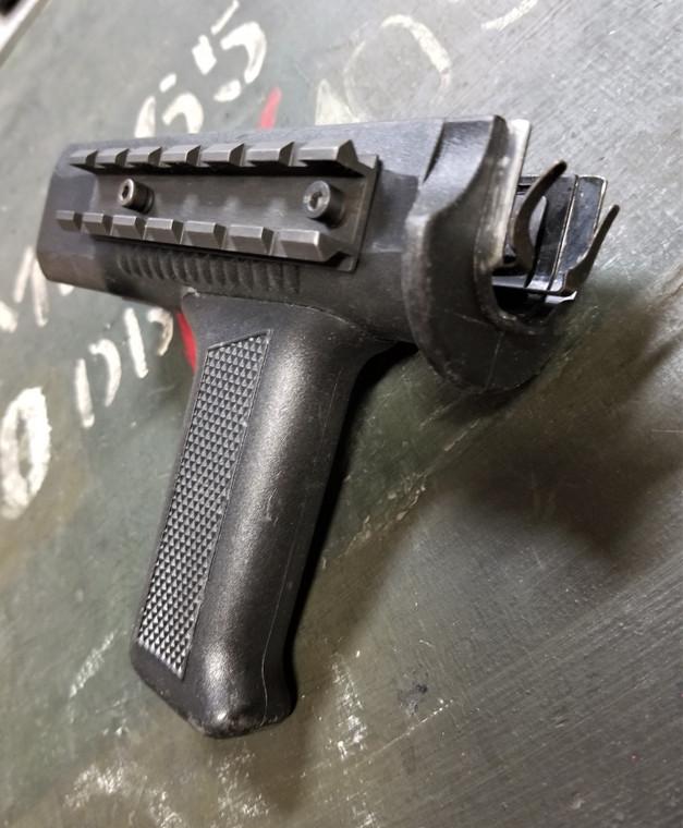Beryl Vertical Grip Handguard (Weaver)