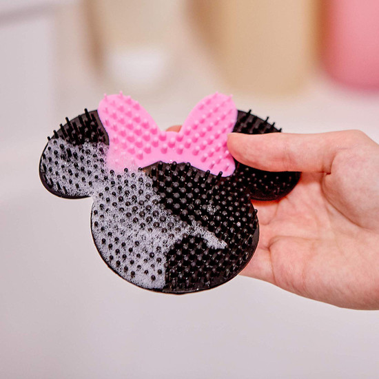 The First Years Disney Minnie Mouse Silicone Bath Scrubby Black