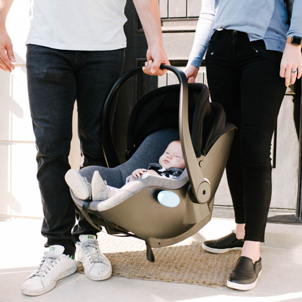 Clek Liing Infant Car Seat - Slate is light to travel with