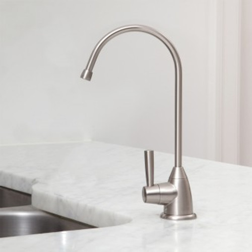 PelicanUndercounter Water Filter with Brushed Nickel Faucet