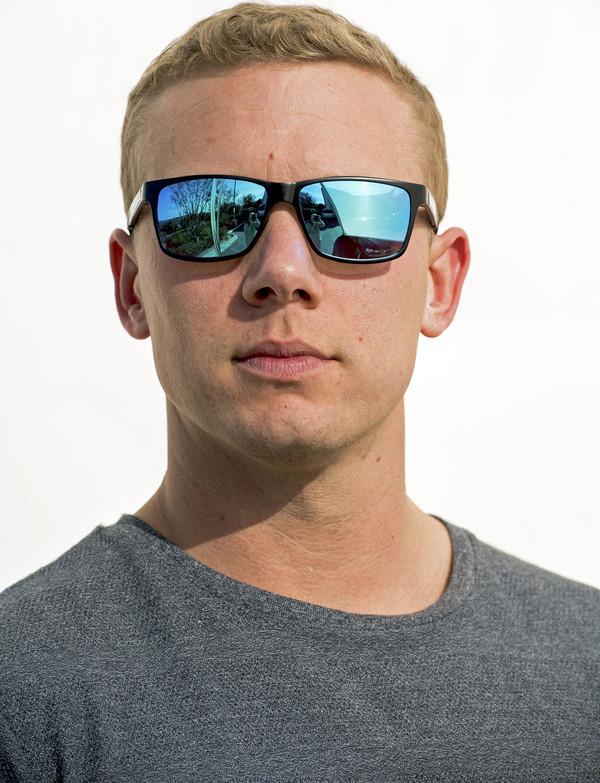 OutLaw Eyewear Wayfarer Mg wayfarer style sunglass