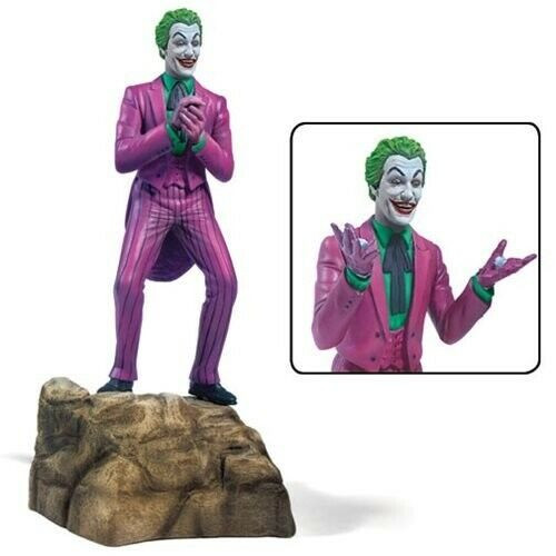 Moebius MMK956 - 1/8 Cesar Romero as the Joker 1966 Batman Figure