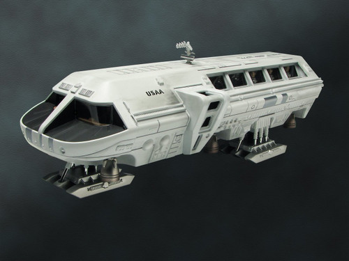 Moebius MMK2001 - Moon Bus from `2001: A Space Odyssey'