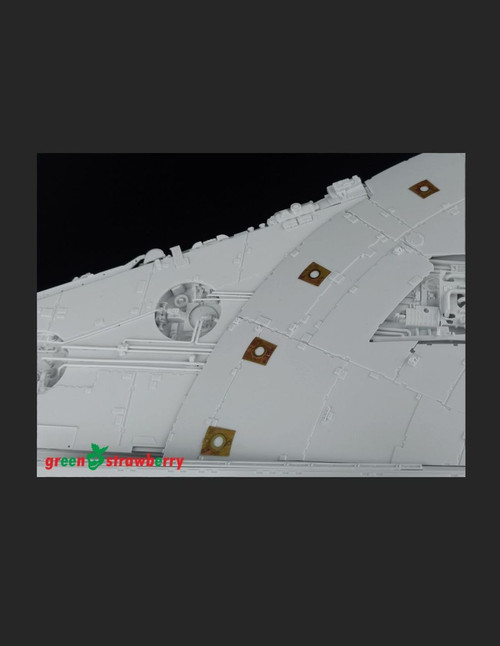 Green Strawberry 1/72 YT-1300 Millennium Falcon - Landing and position lights