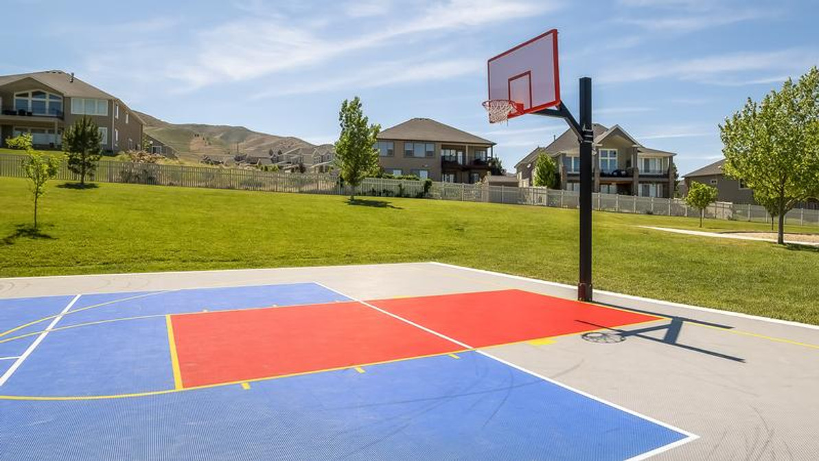 Should You Get a Backyard Basketball Court or Rely on a Streetball Court?