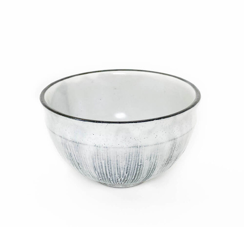 One of our favorite chawans in our collection. The glossy white glaze with blackish grey brush strokes reminds of the Atlantic ocean on a winter day. Wonderful wide diameter to whisk matcha and also great for your favorite dish like an acai bowl.