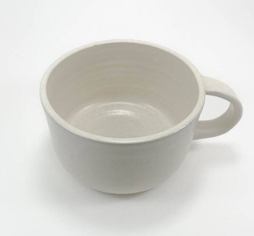 This mug with handle refers to wabi sabi in its simplicity. No mug is alike, each representing its own beauty. The perfect, huggable tea mug to make and enjoy amazing tea lattes!
