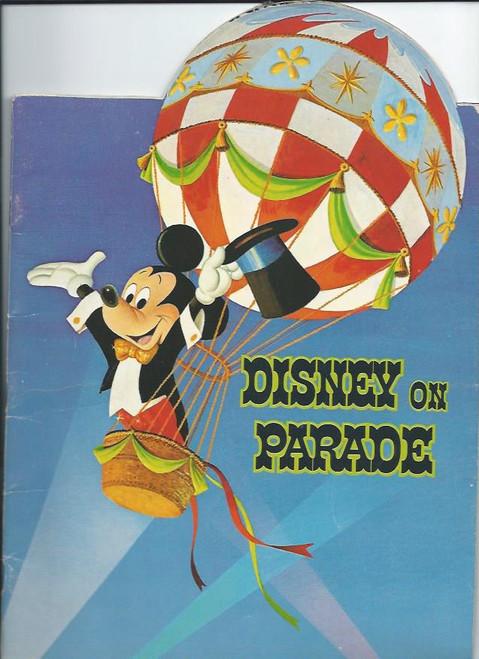 Disney on Parade Australia Tour 1971/72 (Spectacular), Disney Crew, Souvenir Brochure / Program, Lots of Fun Vintage picture from Disney
