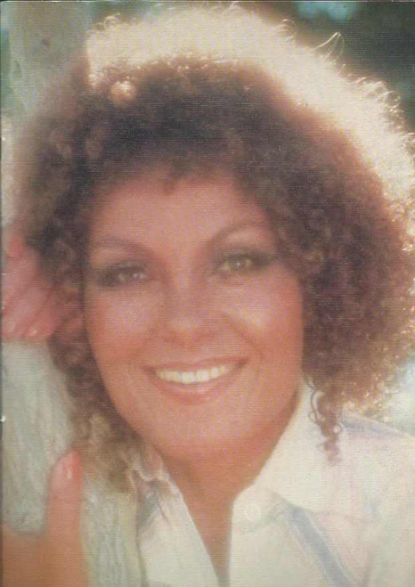 """Cleo Lane 1979 Tour, Dame Cleo Laine, Lady Dankworth, DBE (born 28 October 1927) is an English jazz singer and an actress, noted for her scat singing and vocal range. Though her natural range is that of a contralto she is able to produce a """"G above high C"""" giving her an overall compass of well over three octaves"""